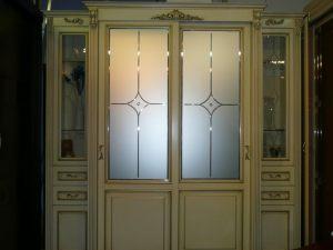 Классический шкаф купе массив с фацетными зеркалами и гравировкой Великий Новгород