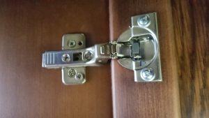 Петля для распашной двери с доводчиком Великий Новгород