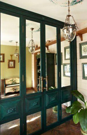 Распашные двери филенкой и декоративными накладками Великий Новгород